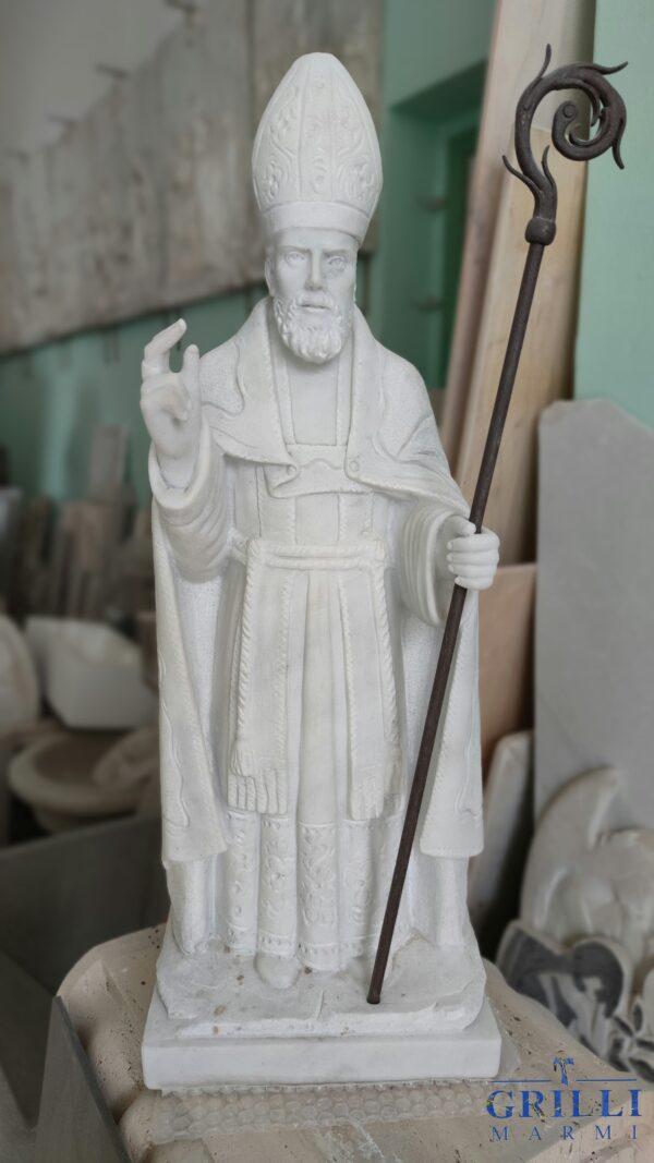Statua del Santo patrono di Gubbio, Sant'Ubaldo, in marmo e rifinita a mano